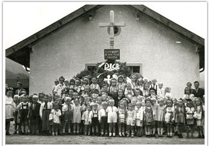 10. School photo in Mittenwald, Germany