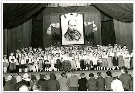 11. Elementary school children signing songs and reciting poems to commemorate Taras Shevchenko